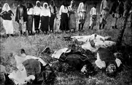 Lešnjica, 1914. Copii de 15-17 ani, uciși de față cu părinții lor.